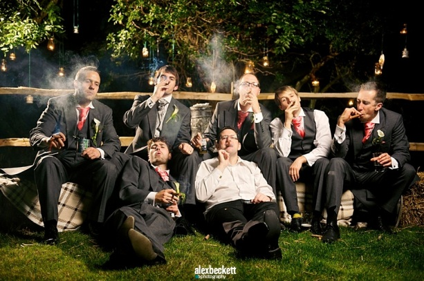 059-Wedding-groomsmen-Cigars